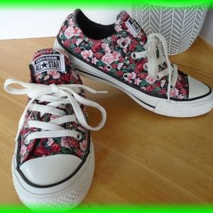Converse Low Top Flower Sneakers Size 6